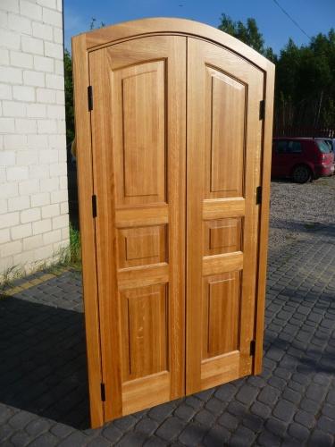 Drzwi wewnętrzne z łukiem
