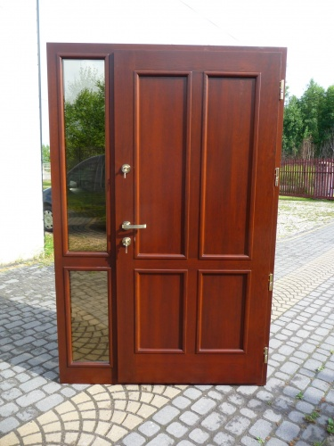 Drzwi zewnętrzne z doświetlem nr Z 72